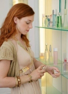 How much perfume should be a woman