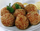 Balls of shrimp with sesame seeds